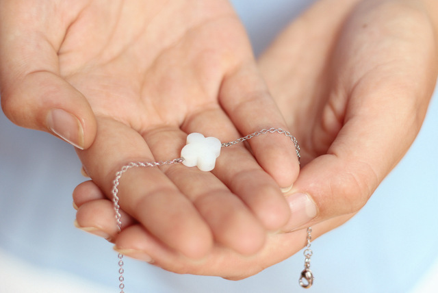 Jewellery by Sophie lucky bracelet klavertje vier charm white silver armbandje geluk Dutch design hand made 6