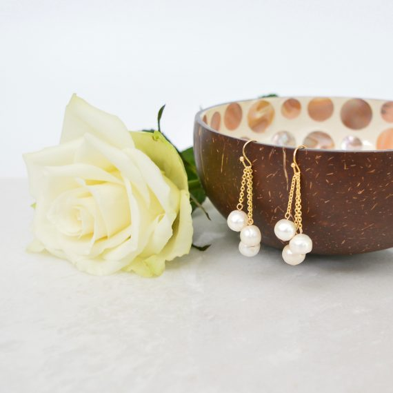 Three Pearls Earrings Gold